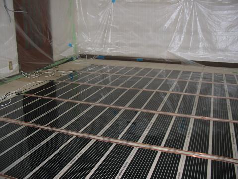 電気床暖房